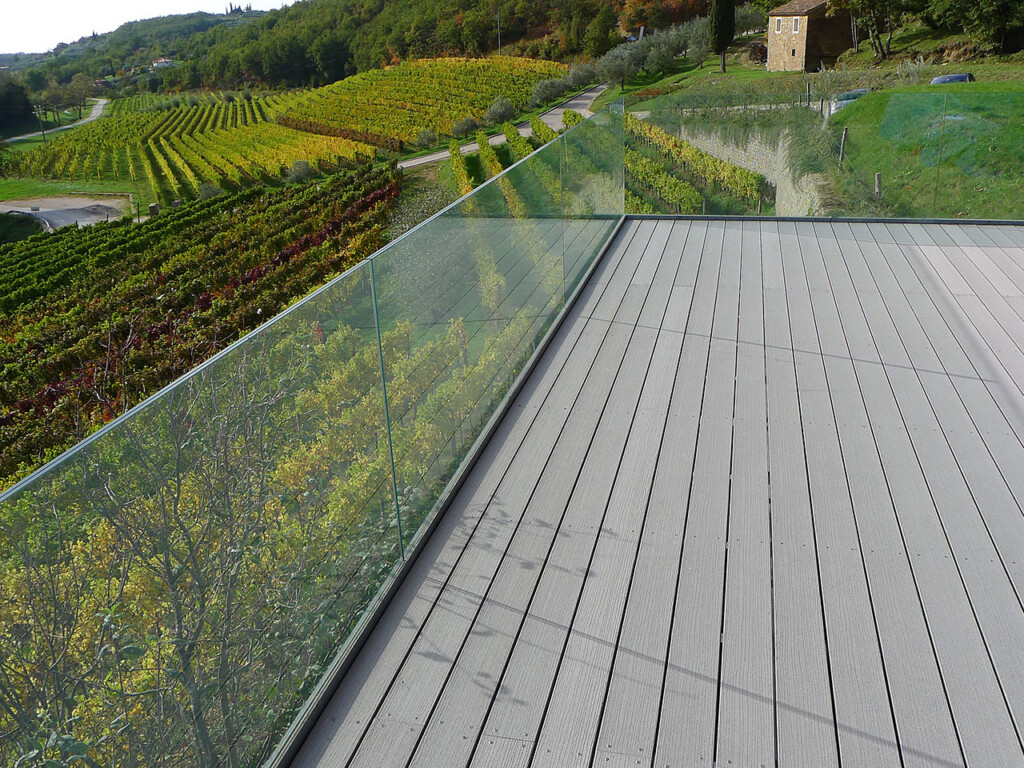 WPC Dielen Terrasse grau