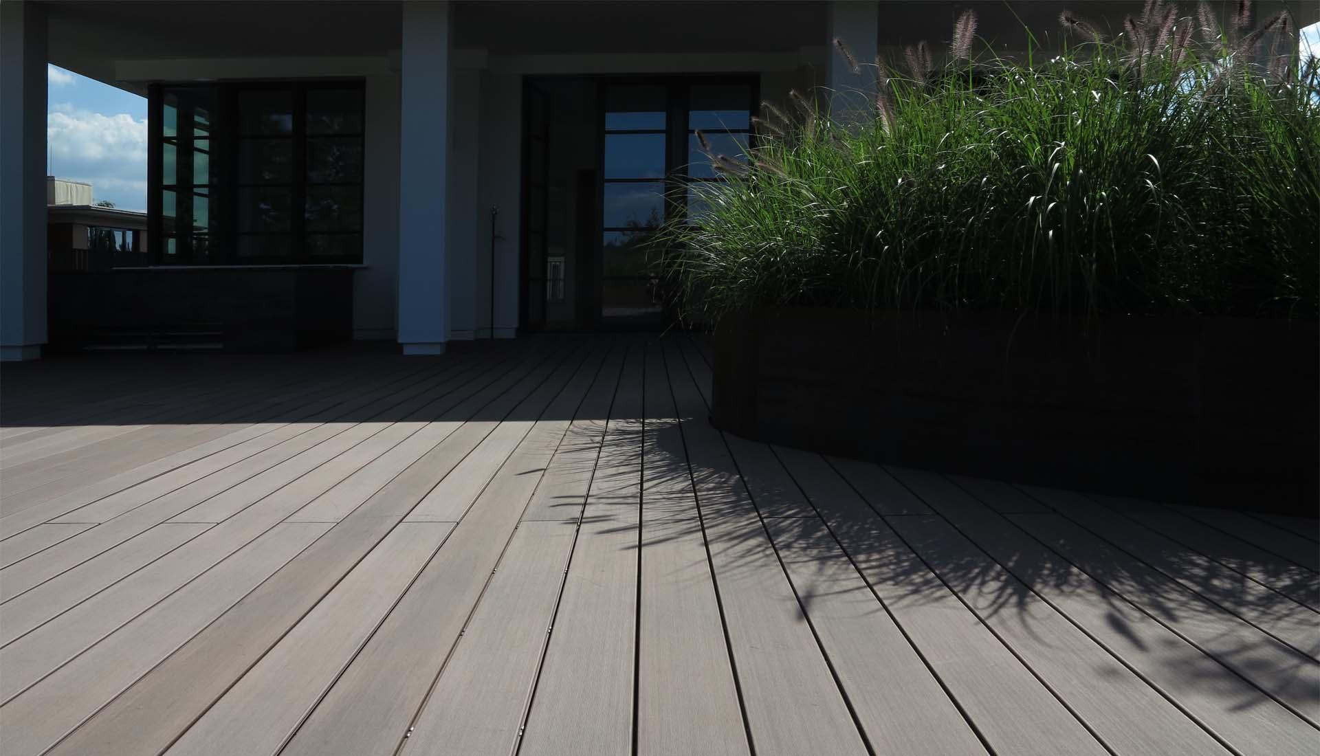 balkonbretter aus kunststoff balkonbretter 20 cm breite in holzoptik aus kunststoff. Black Bedroom Furniture Sets. Home Design Ideas