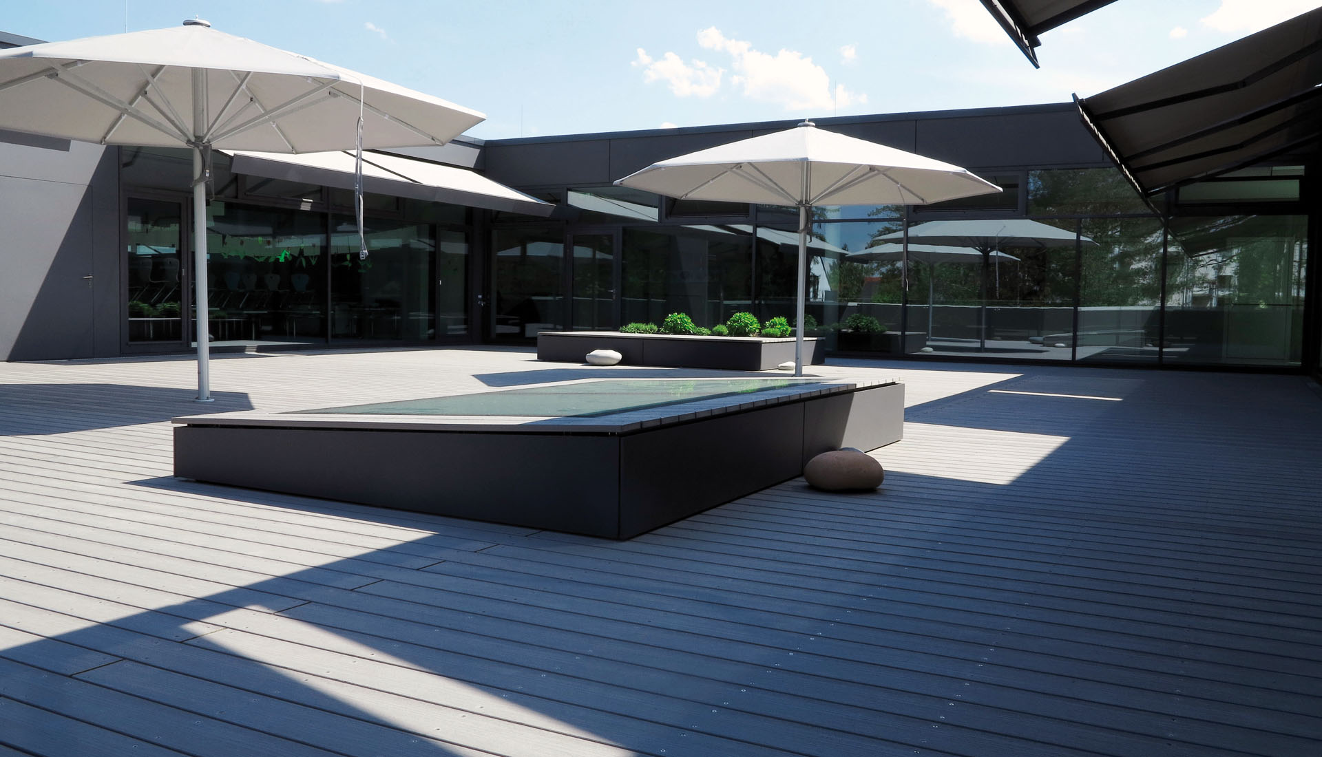 splitterfreie terrassendielen f r die grundschule. Black Bedroom Furniture Sets. Home Design Ideas