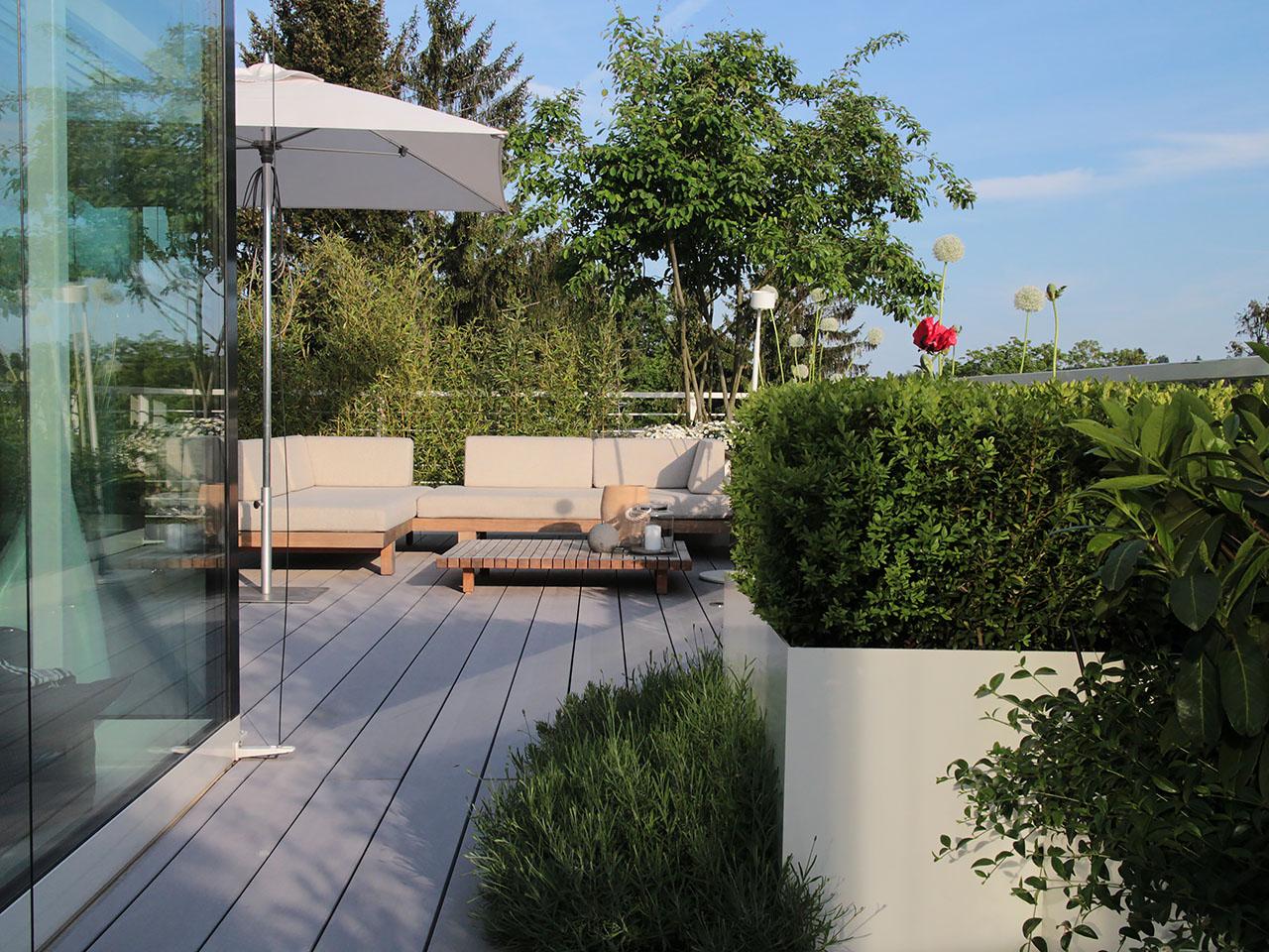 Bildschöne Dachterrasse mit WPC Terrassenbelag
