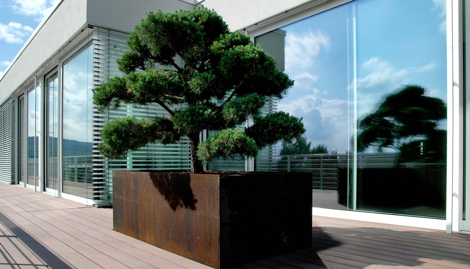 tipps sowie bildsch ne ideen und beispiele zur terrassengestaltung. Black Bedroom Furniture Sets. Home Design Ideas