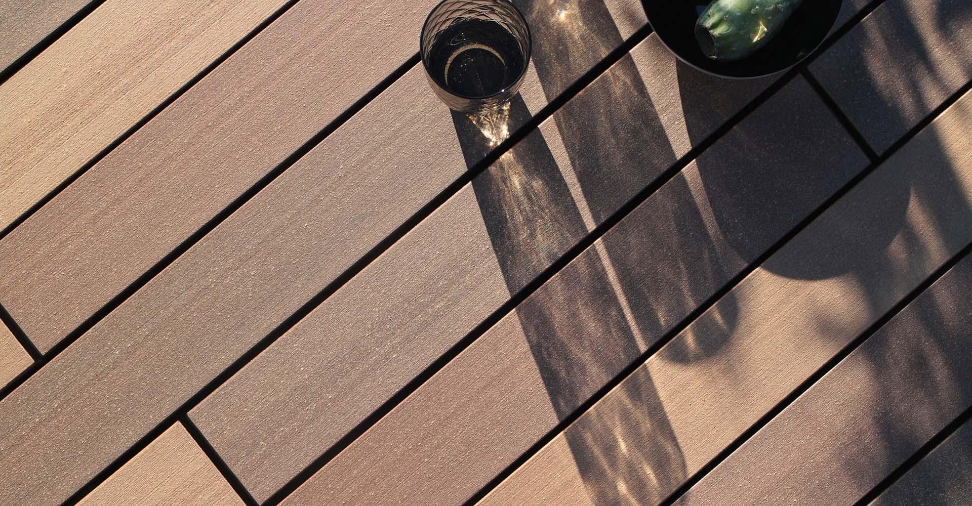 Bildschöne neue Kollektion der WPC Terrassendielen