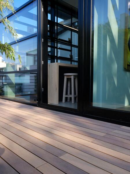 Mehrfarbige WPC Massivdielen (German Design Award Winner) für Terrasse und Balkon