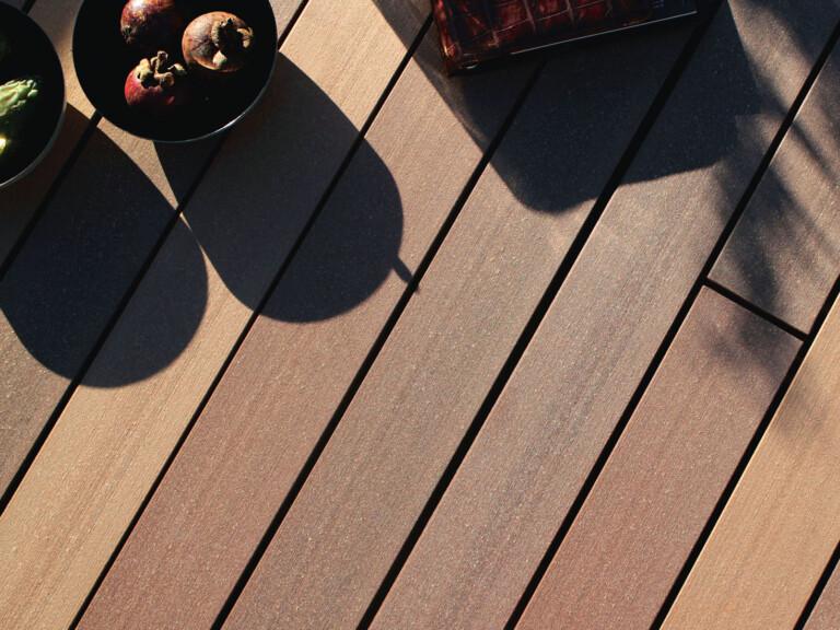 WPC Dielen der Kollektion bali für die Terrasse